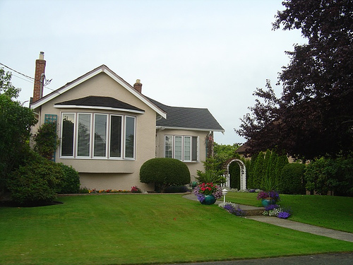 Curb appeal, first impressions, home renovations, lawn care, selling your home