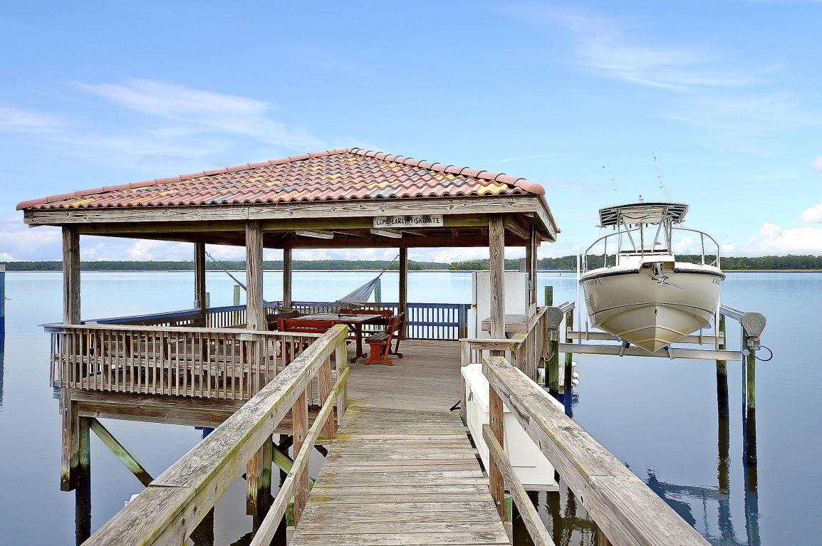Dock & Boat Lift