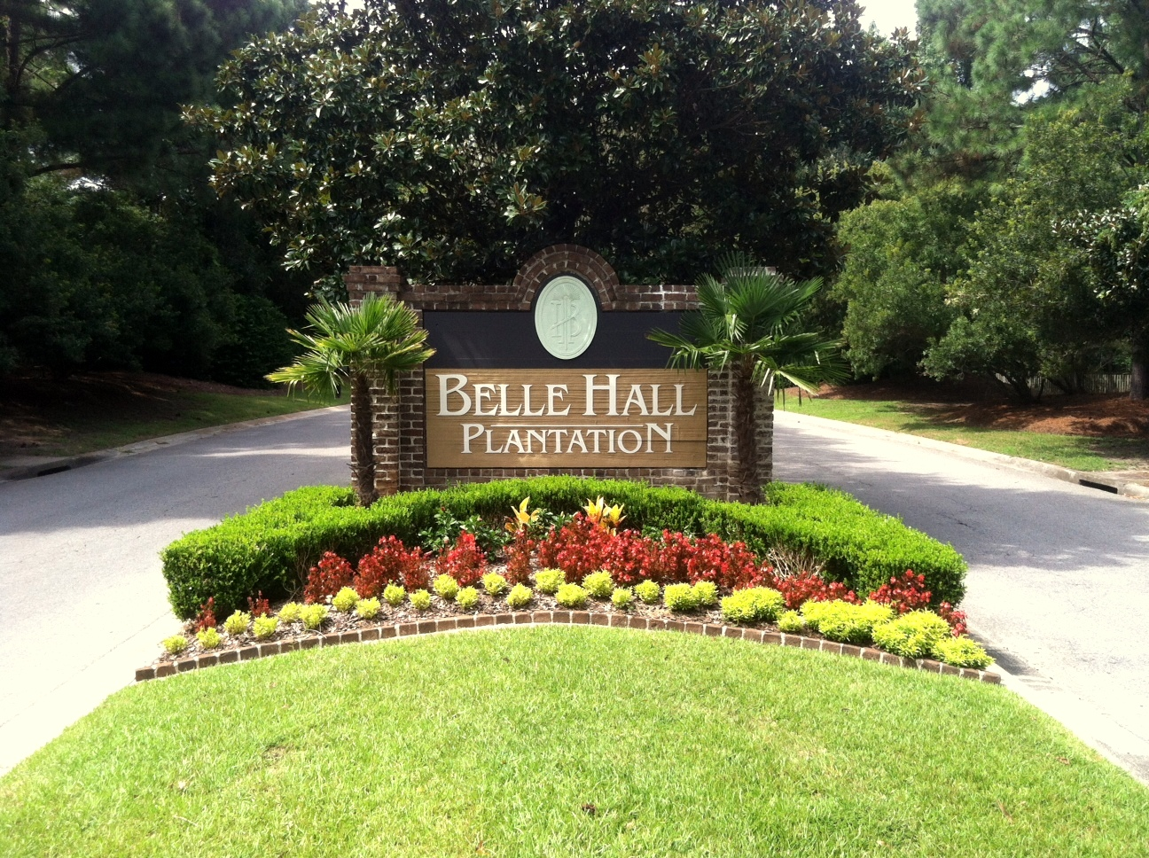 Belle Hall Plantation Logo